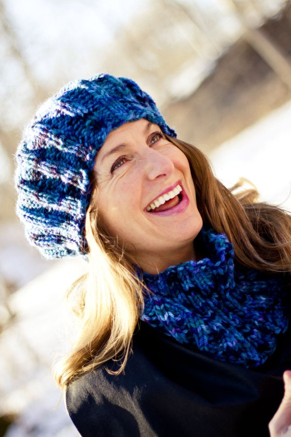 Knitting Recipes: Chunky Hat and Cowl Set
